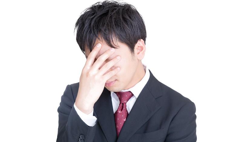 5月病で悩む男性